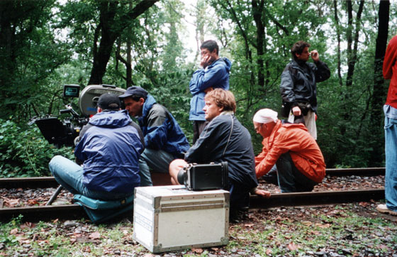 Pol Cruchten während Dreharbeiten an seinem Film BOYS ON THE RUN. Foto: Paul Lesch